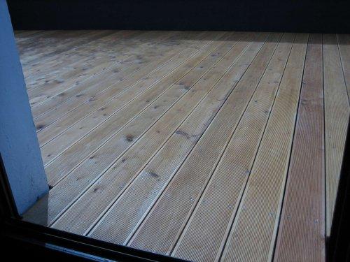 Holzterrasse aus Lärchenholz