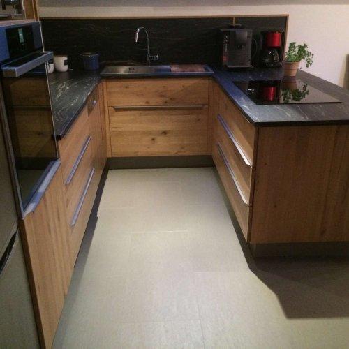 Neubau Küche aus Eiche Massivholz,Korpus aus Dreischichtplatte Fichte