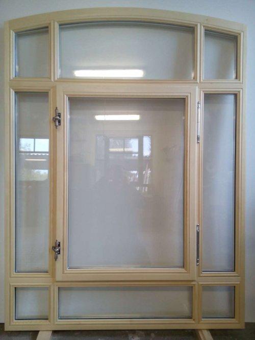 Neuanfertigung 9-teiliges Bogenfenster nach historischen Vorbild